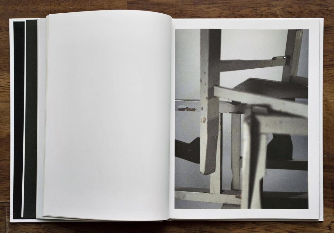 João Penalva<br>Spaces between 5 chairs