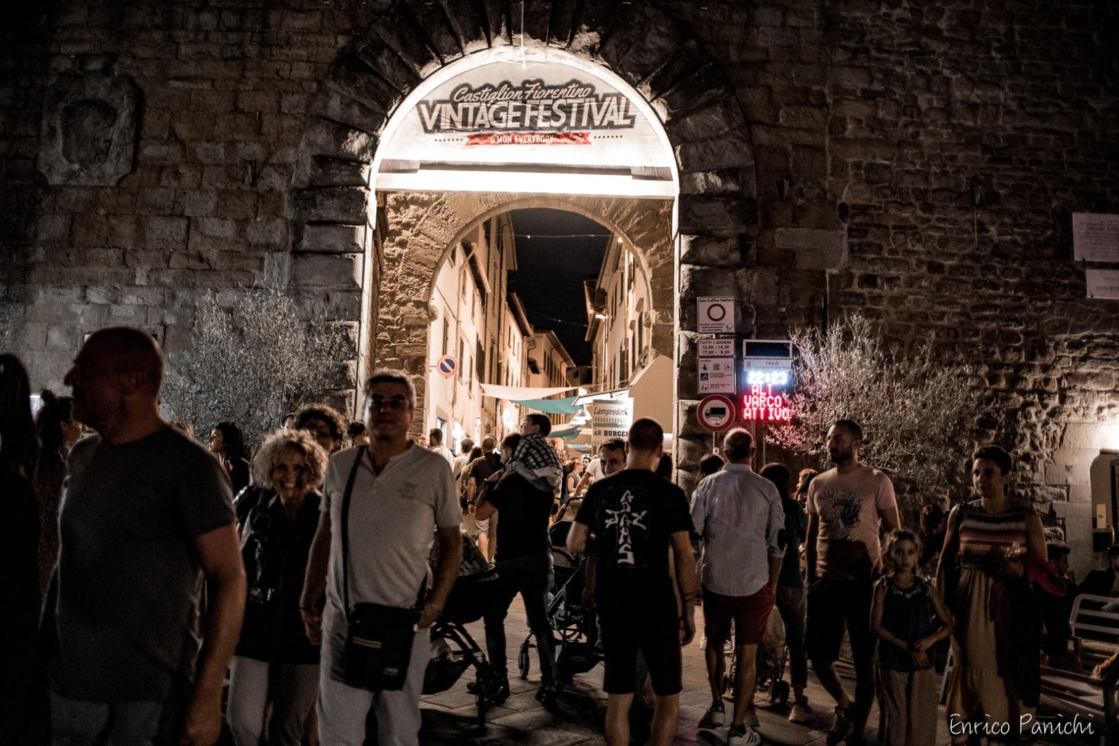 Nella splendida cornice del cintro storico di Castiglion Fiorentino dal 14 al 18 Agosto si è tenuto il Vintage Festival